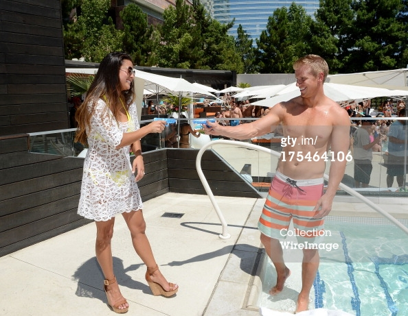 Sean & Catherine Lowe - Pictures - No Discussion - Page 5 17546425