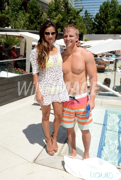 Sean & Catherine Lowe - Pictures - No Discussion - Page 5 17546427