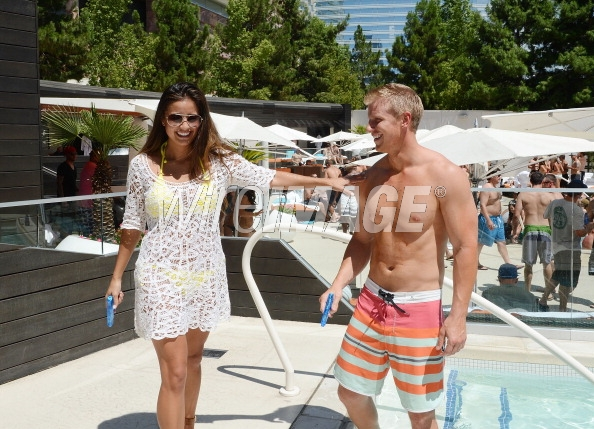 Sean & Catherine Lowe - Pictures - No Discussion - Page 5 17546431
