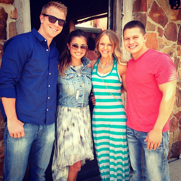 Sean & Catherine Lowe - Pictures - No Discussion - Page 4 E3c7b310