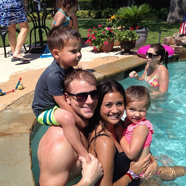 Sean & Catherine Lowe - Pictures - No Discussion - Page 4 Fd552c10