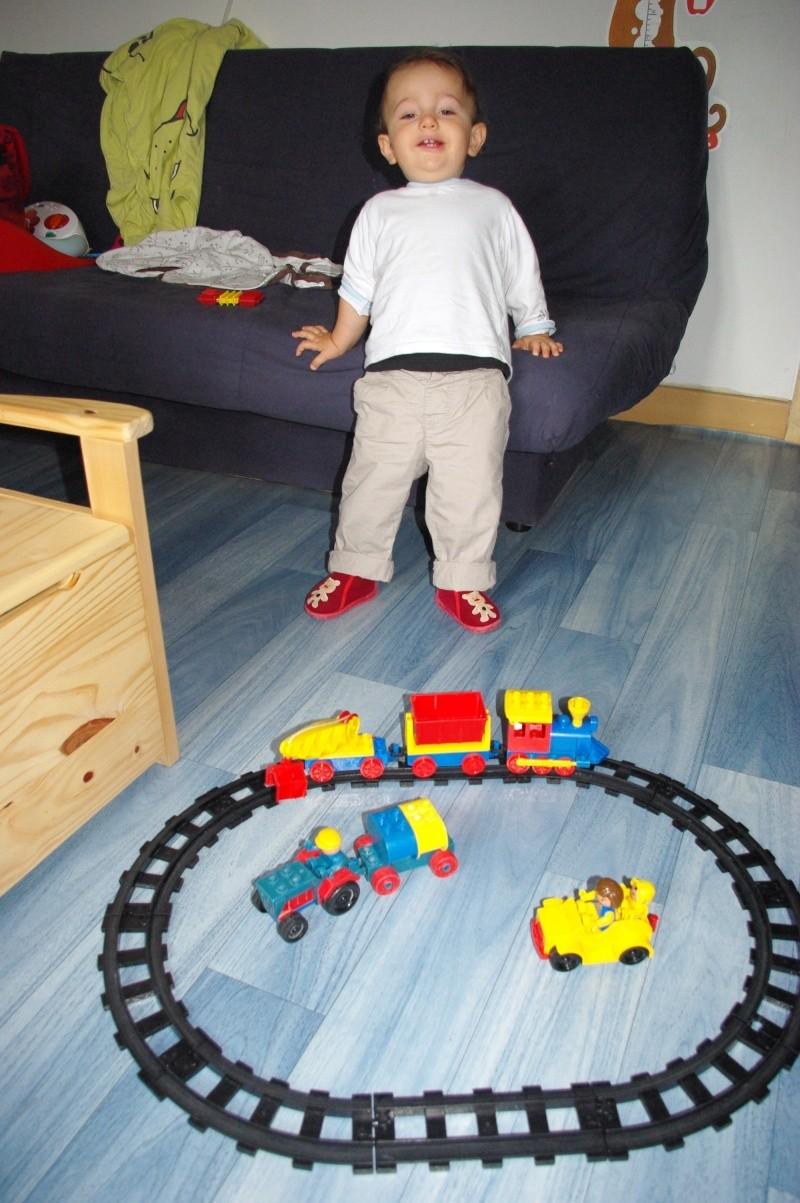 Train électrique Lego - Page 2 Imgp5011