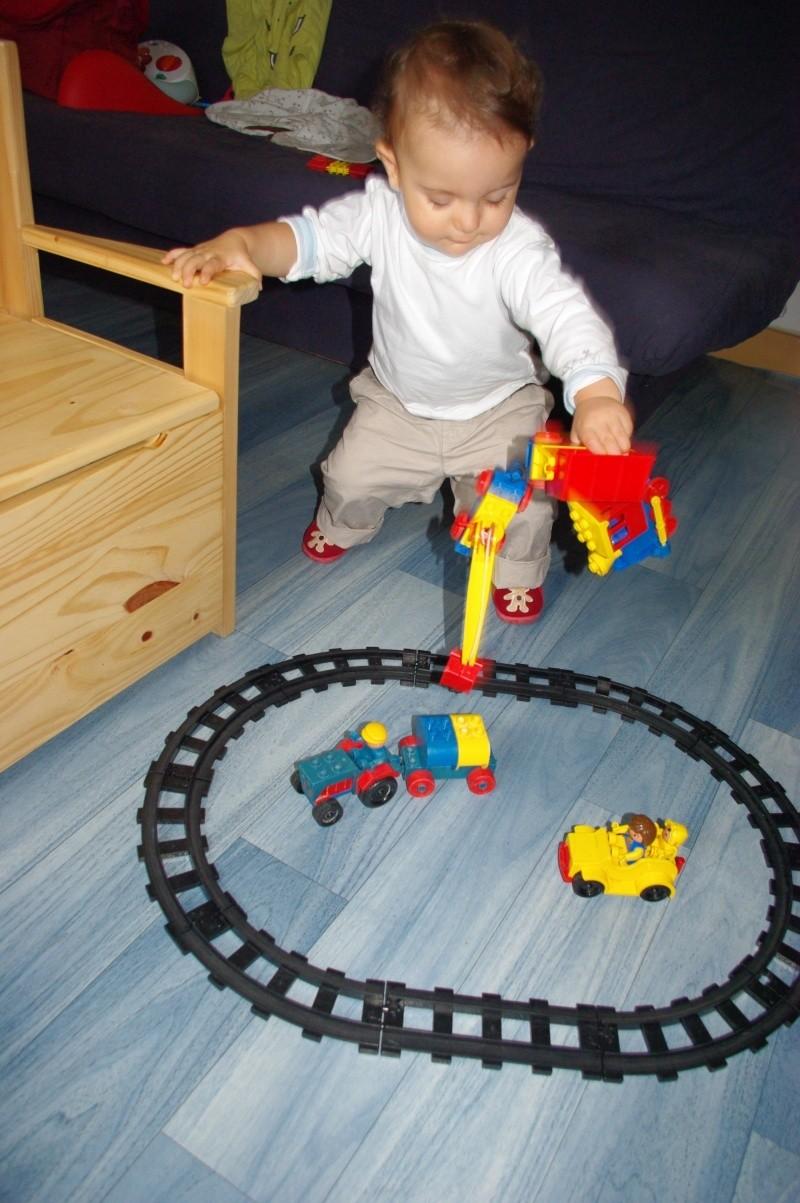 Train électrique Lego - Page 2 Imgp5012
