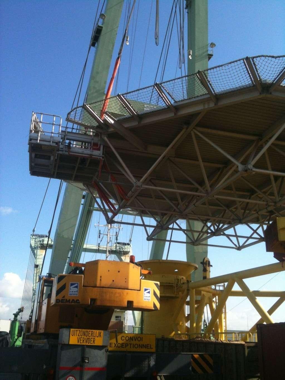 La grue BRABO 800 tonnes (B) Img_2445