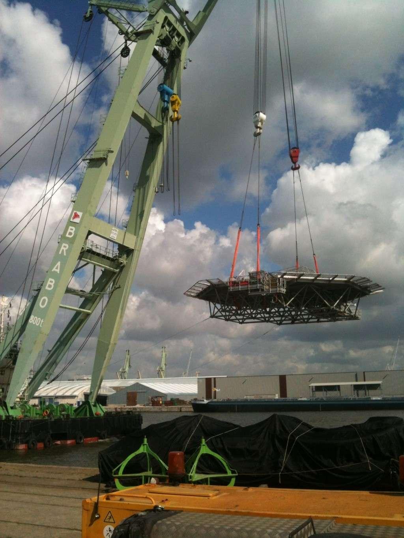 La grue BRABO 800 tonnes (B) Img_2449
