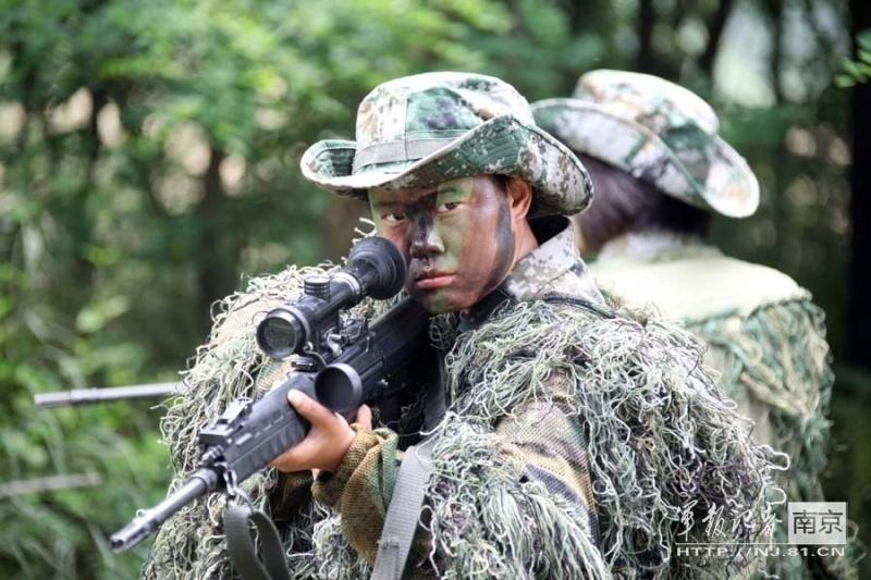 soldates du monde en photos - Page 7 0a128