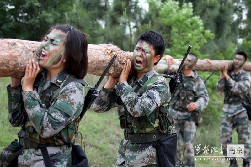 soldates du monde en photos - Page 7 0a325