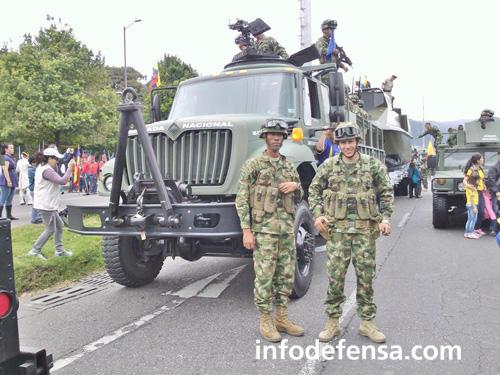 Armée Colombienne / Military Forces of Colombia / Fuerzas Militares de Colombia - Page 9 1a1112