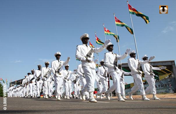 Forces Armées Togolaises / Togolese Armed Forces - Page 2 1a224