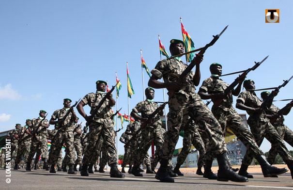 Forces Armées Togolaises / Togolese Armed Forces - Page 2 1a322