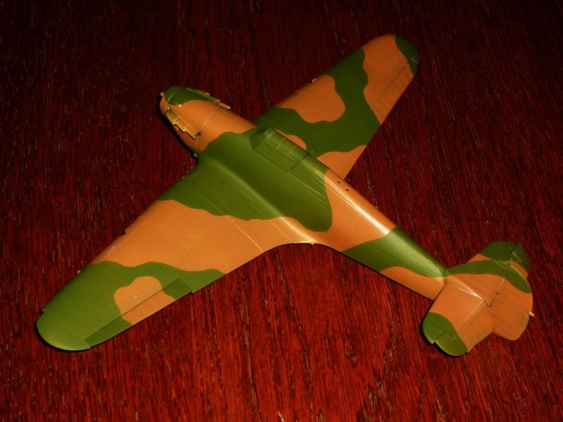 Hawker Hurricane Mk I (Tamiya / Italeri) [modèle terminé] - Page 2 P1080014