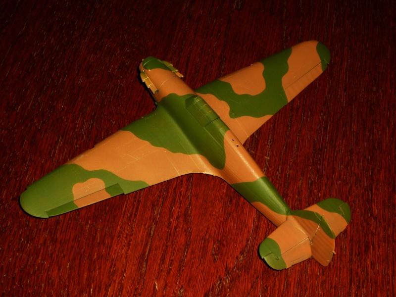 Hawker Hurricane Mk I (Tamiya / Italeri) [modèle terminé] - Page 2 P1080015