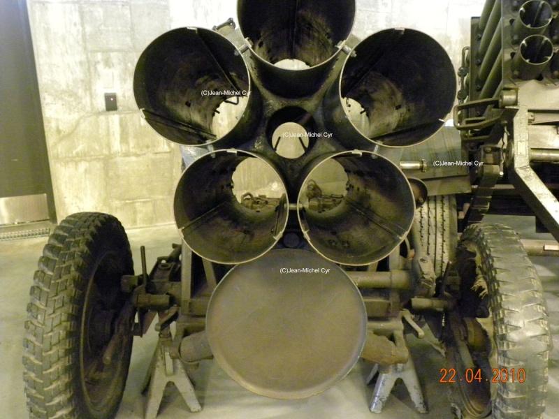 21CM NEBELWERFER 42 - Canada war museum 21cm_n10
