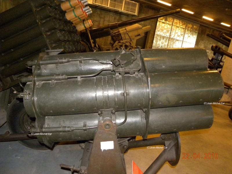 21CM NEBELWERFER 42 - Canada war museum 21cm_n11