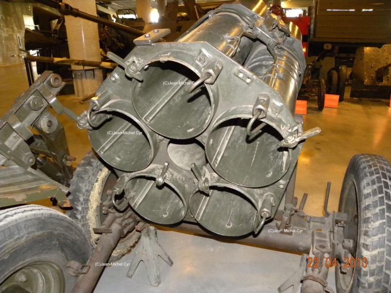 21CM NEBELWERFER 42 - Canada war museum 21cm_n12