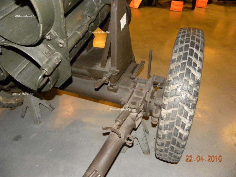 21CM NEBELWERFER 42 - Canada war museum 21cm_n13