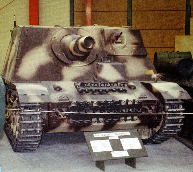 Sturmpanzer IV - Sd Kfz 166 - Brummbär - Munster - DE 673px-10