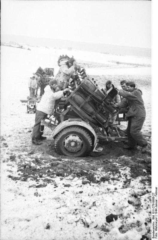 Bundesarchiv - Nebelwerfer -  janvier 1944 Bundes40