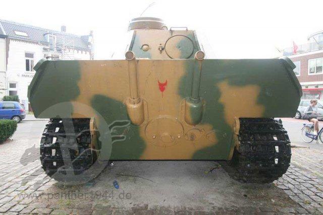 Panther Ausf. D - Breda - Holland Phoca_12