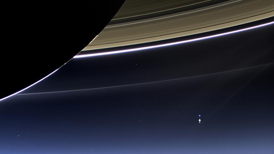 Vue spectaculaire des anneaux de Saturne par Cassini 20130710