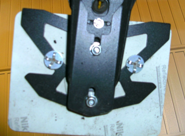Problème: Feux de plaque fissuré (vibration de la plaque sur le feux) Bild5312
