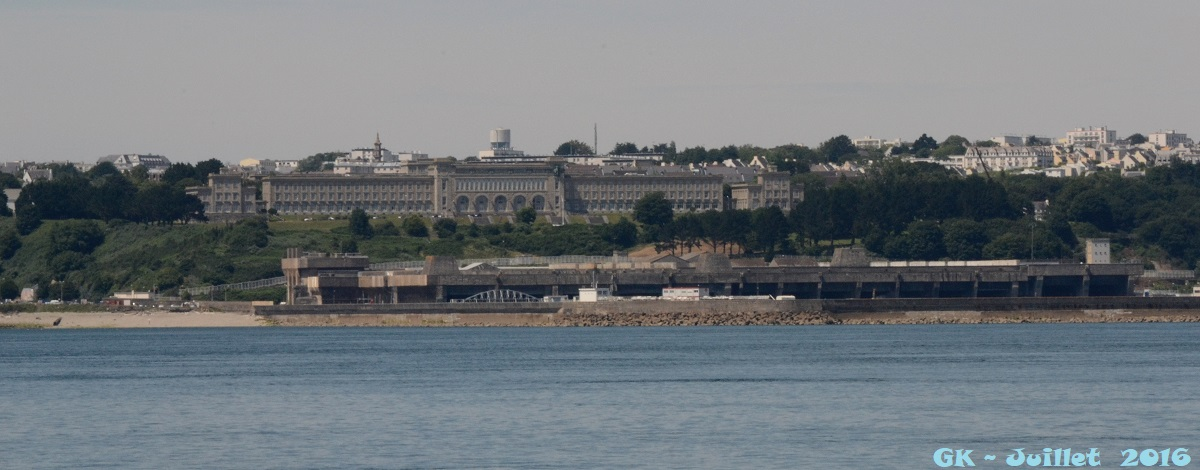 [Les ports militaires de métropole] Port de BREST - TOME 3 - Page 6 Dsc_2128