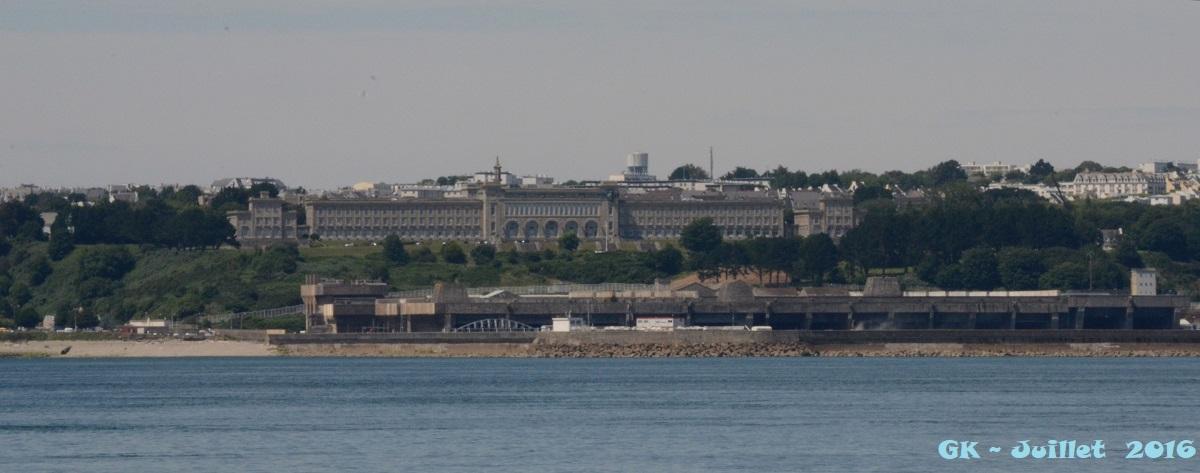 [Les ports militaires de métropole] Port de BREST - TOME 3 - Page 6 Dsc_2129