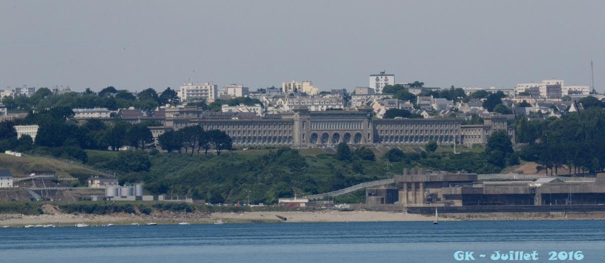 [Les ports militaires de métropole] Port de BREST - TOME 3 - Page 6 Dsc_2130
