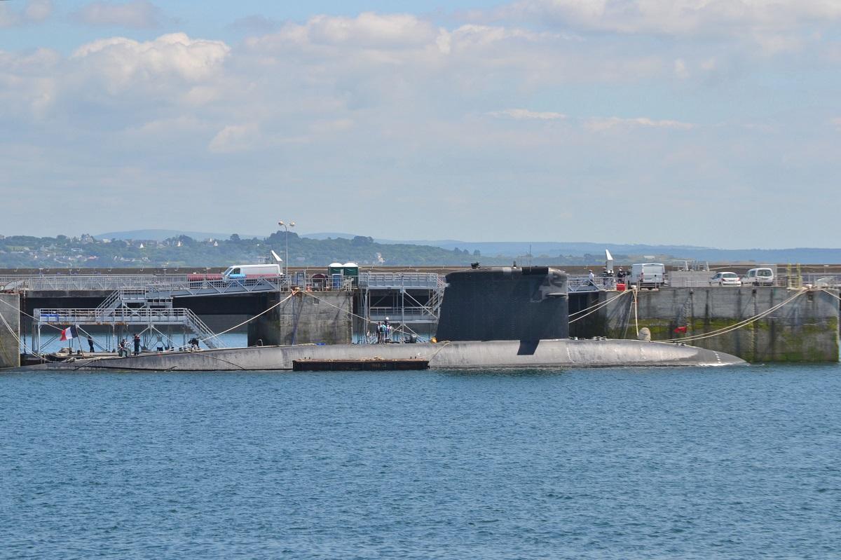 [Les ports militaires de métropole] Port de BREST - TOME 2 - Page 37 Dsc_2225
