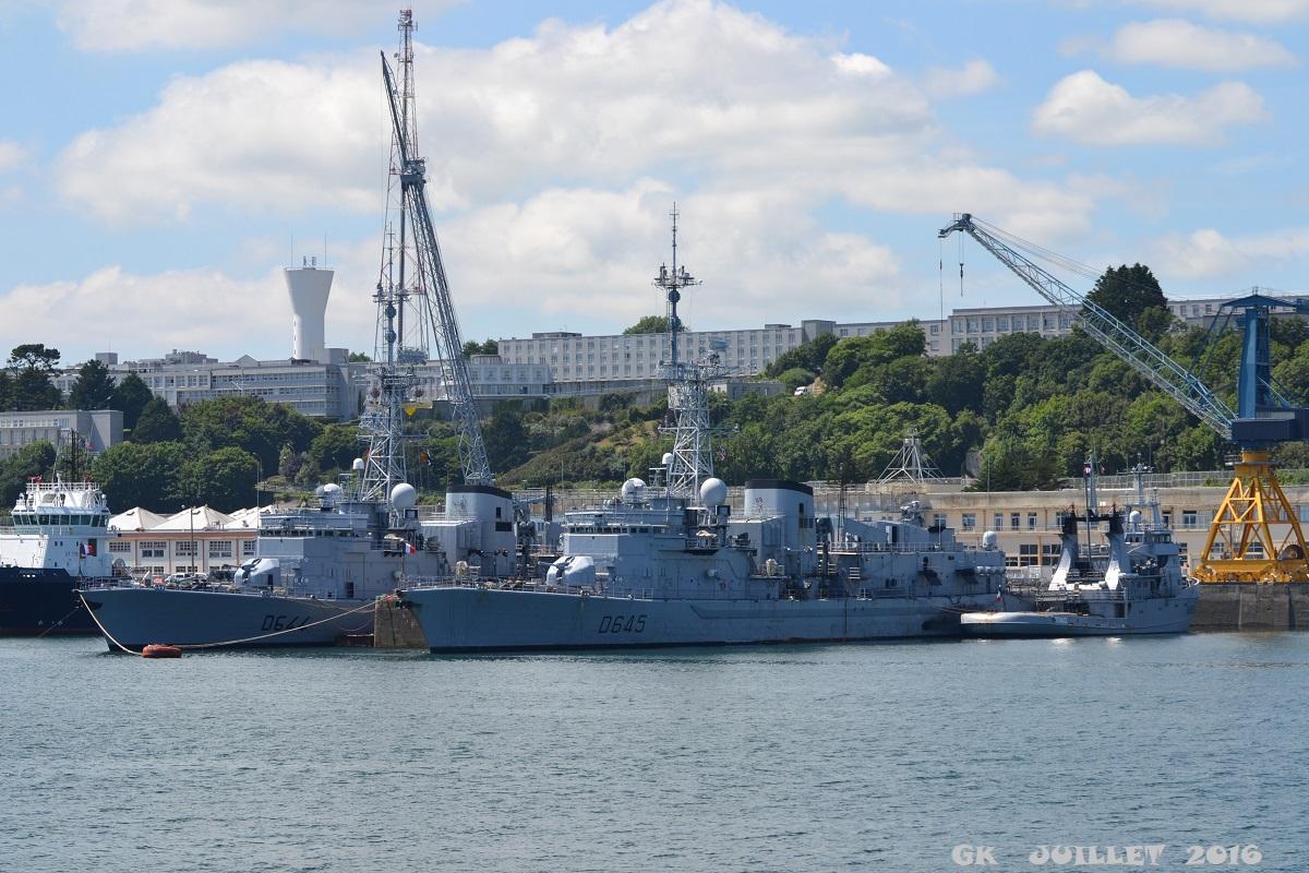 [Les ports militaires de métropole] Port de BREST - TOME 3 - Page 5 Dsc_2227