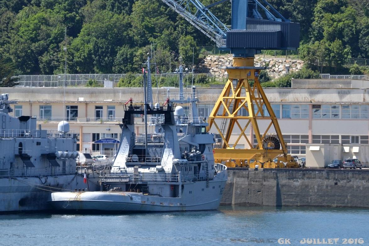 [Les ports militaires de métropole] Port de BREST - TOME 3 - Page 5 Dsc_2228