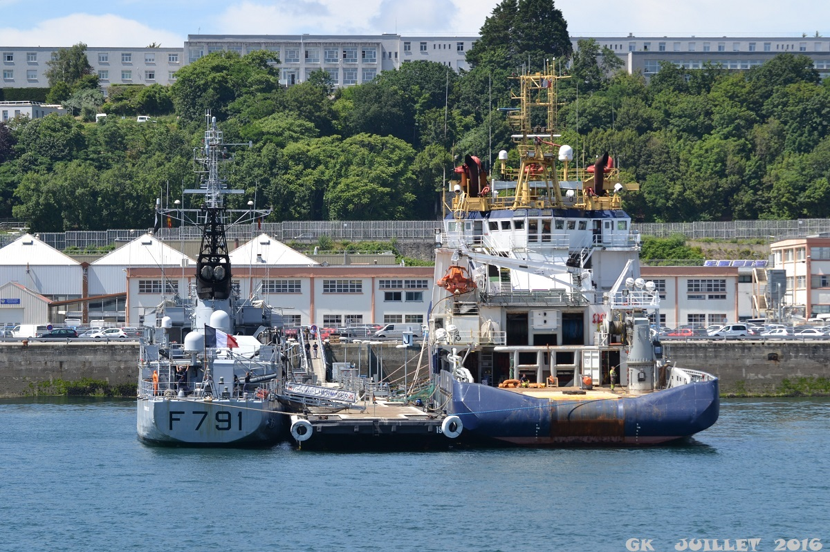 [Les ports militaires de métropole] Port de BREST - TOME 3 - Page 5 Dsc_2234