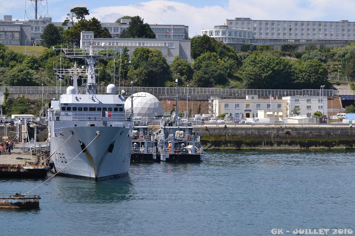 [Les ports militaires de métropole] Port de BREST - TOME 3 - Page 5 Dsc_2239