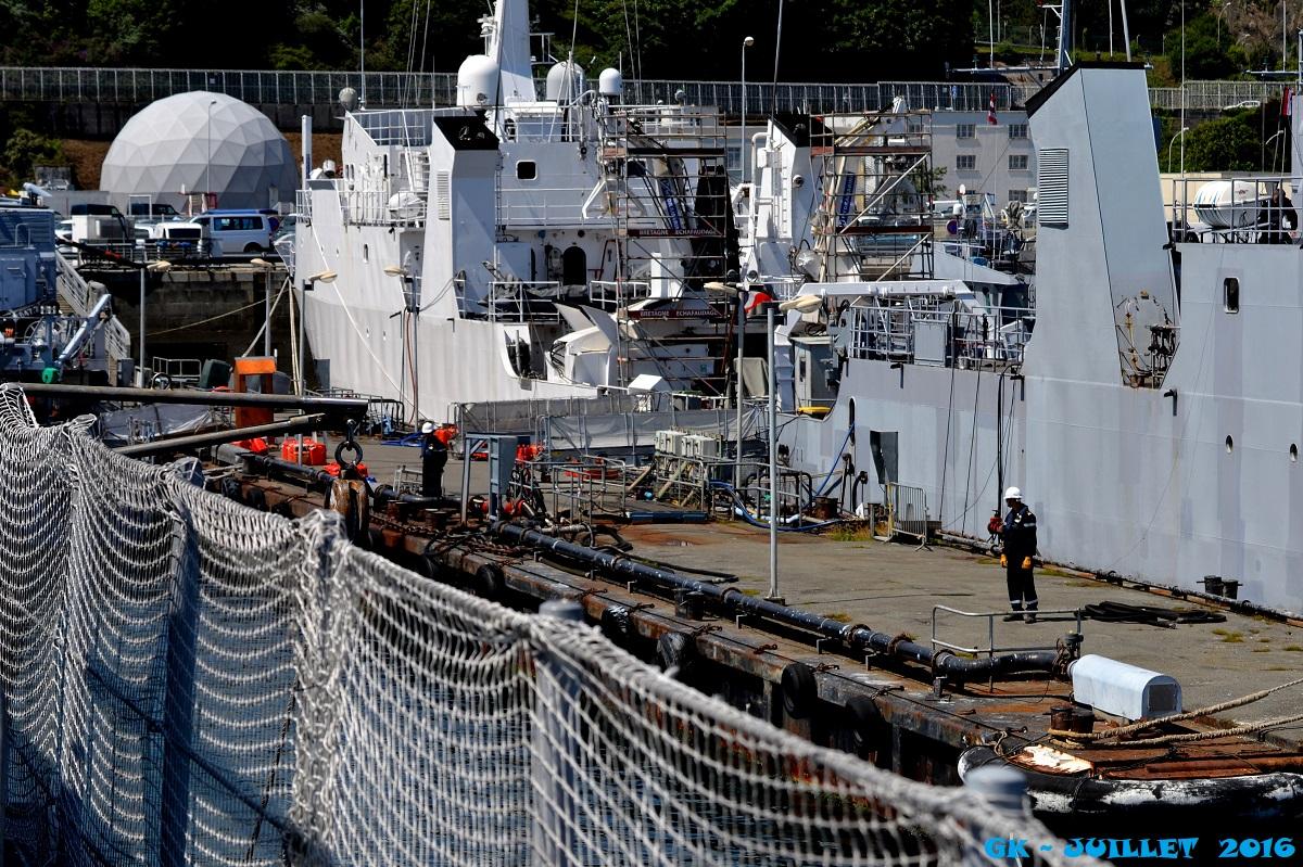 [Les ports militaires de métropole] Port de BREST - TOME 3 - Page 5 Dsc_2241