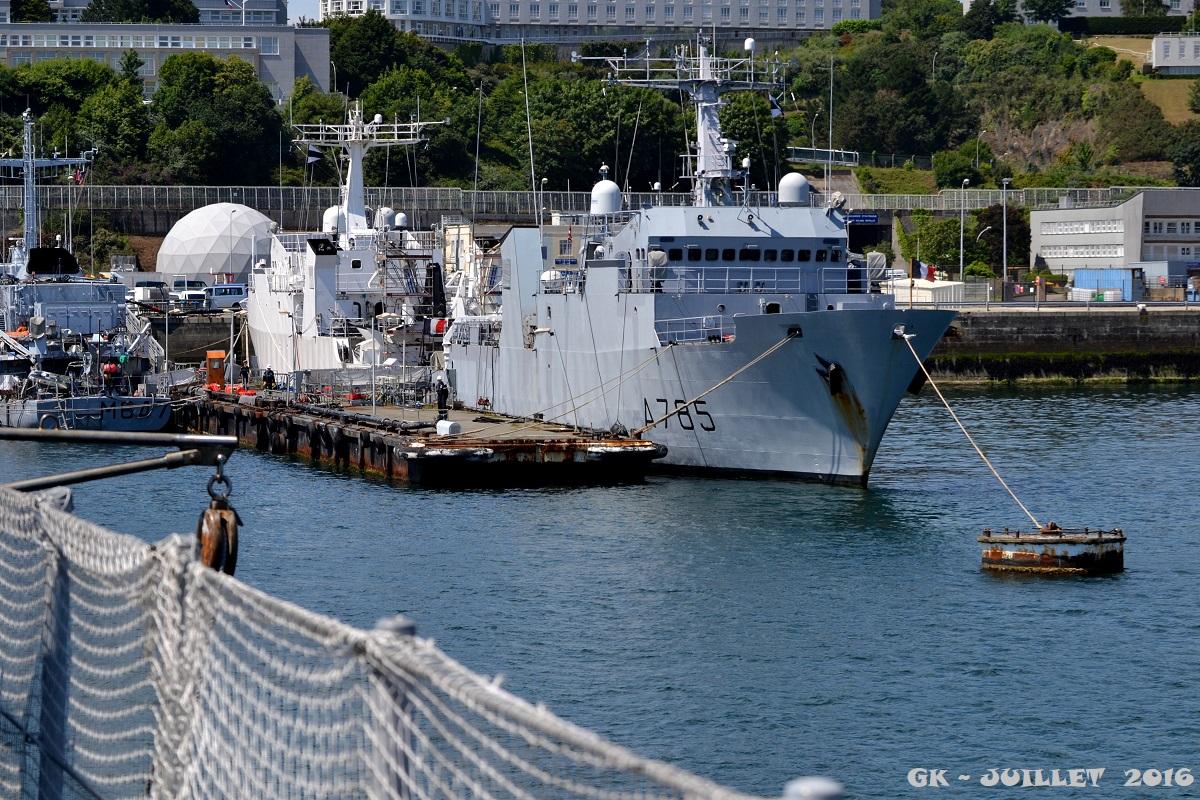 [Les ports militaires de métropole] Port de BREST - TOME 3 - Page 5 Dsc_2242