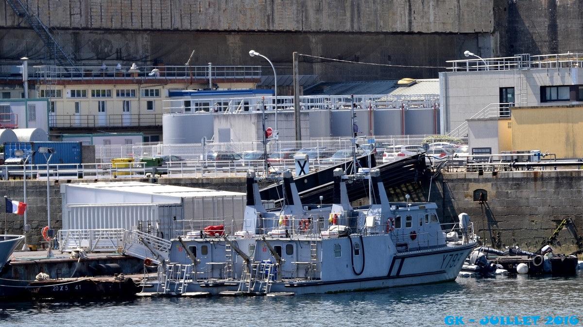 [Les ports militaires de métropole] Port de BREST - Page 6 Dsc_2243