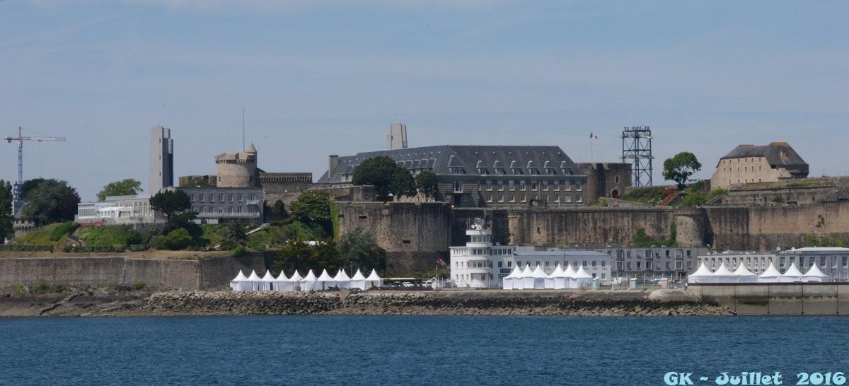 [Les ports militaires de métropole] Port de BREST - Page 6 Dsc_2245