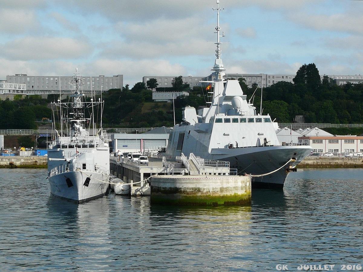 [Les ports militaires de métropole] Port de BREST - TOME 3 - Page 5 P1250514