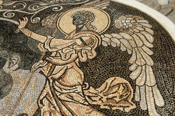 Откриен мозаикот со ликот на Тоше Проески Tose-m10