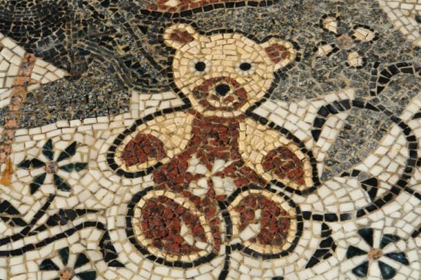 Откриен мозаикот со ликот на Тоше Проески Tose-m11