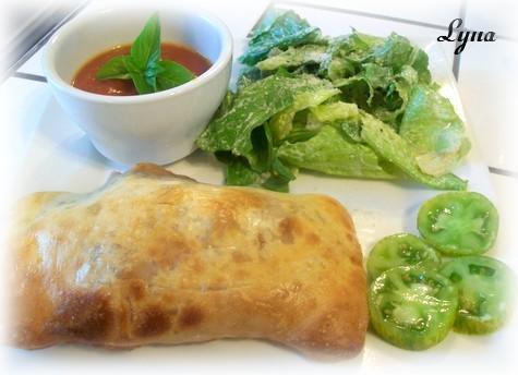 Calzones à la saucisse italienne et oignon caramélisé Calzon11