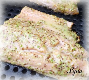 Filet de saumon grillé sur bbq à la fleur d'ail Saumon12