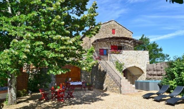 Gite de Charme Aux Plaisirs de Dieusse avec Sauna et Jacuzzi 30500 Saint-Brès (Gard) 19767610