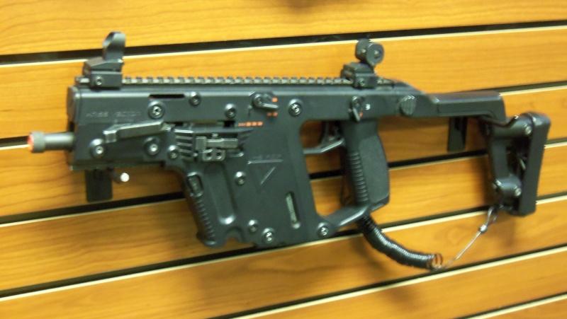 KWA KRISS Vector SMG airsoft gun in person!!!! 102_0716