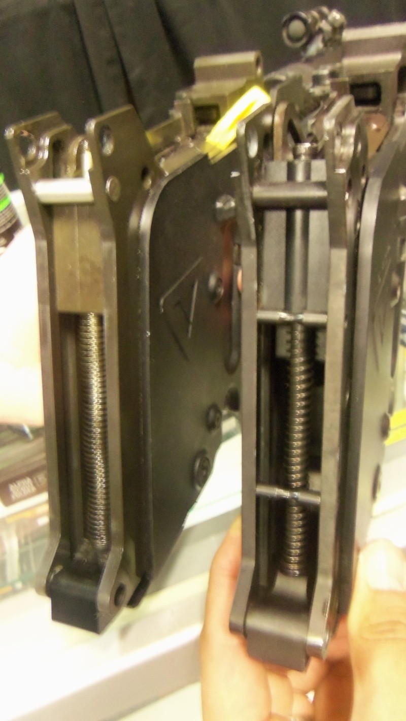 KWA KRISS Vector SMG airsoft gun in person!!!! 102_0717