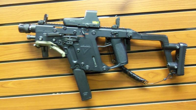 KWA KRISS Vector SMG airsoft gun in person!!!! 102_0718
