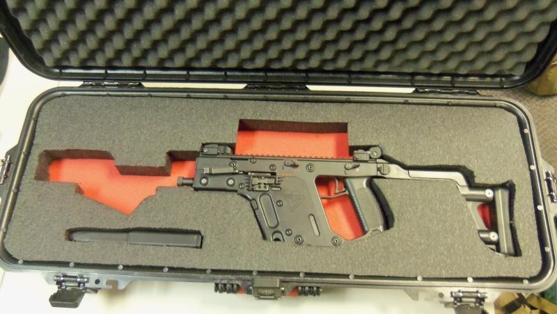KWA KRISS Vector SMG airsoft gun in person!!!! 102_0719
