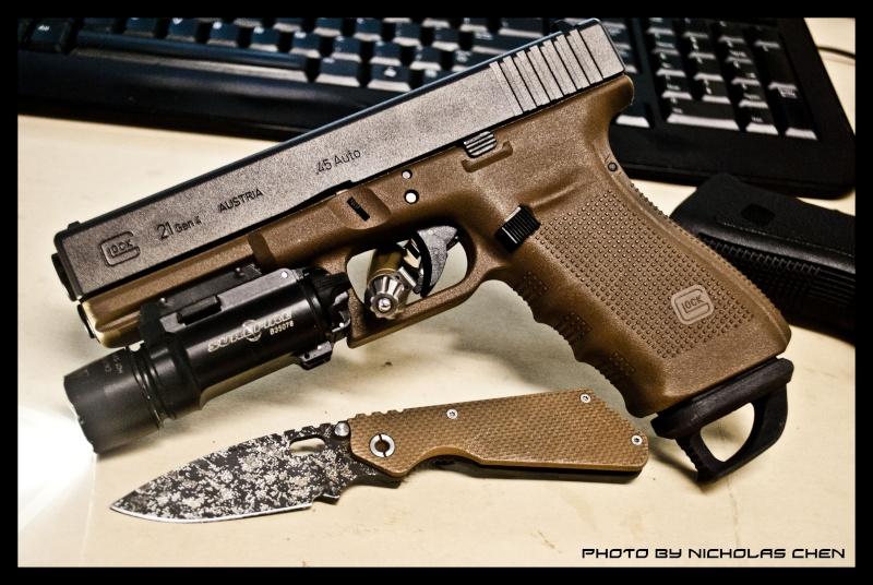 I has pistol!!! G21_g410