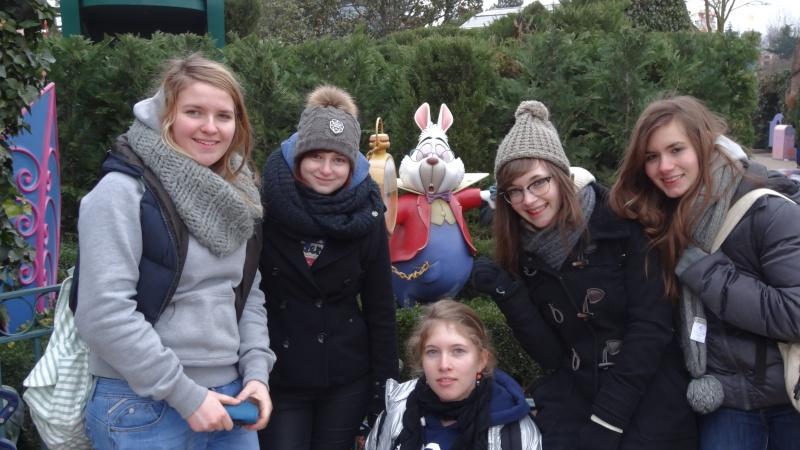 10 belges lâchés à Disneyland ! - Page 5 Dsc01610