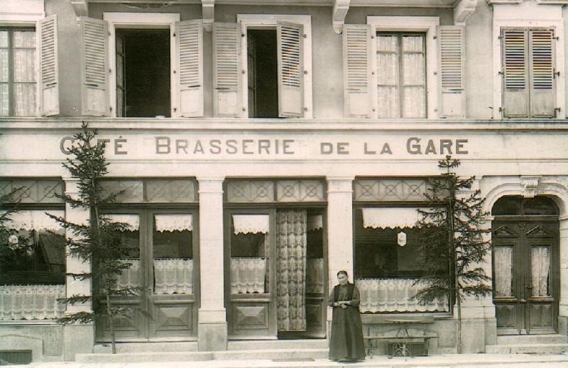 [SUISSE] - Restaurant Tivoli. Place d'Armes 18 1618 Châtel-Saint-Denis  Cafe_d10
